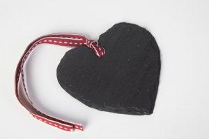 slate-heart-decoration-wedding-favour